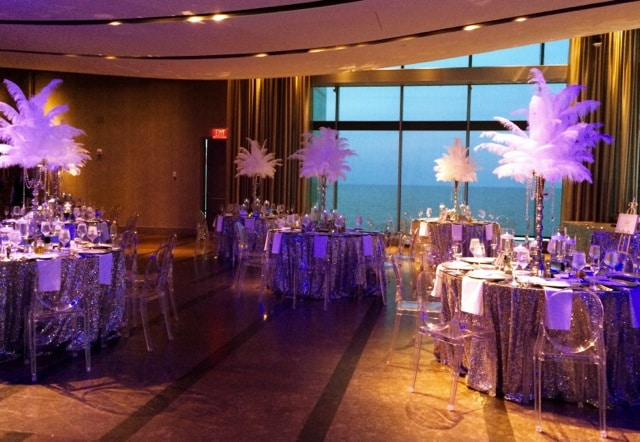Feather centerpieces Gatsby look - Atlantic Room
