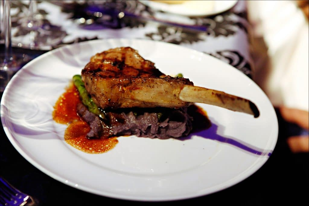 Veal Chop 1024x683 - Entrees