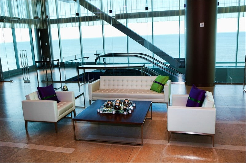 one atlantic lobby6 1 - Lobby